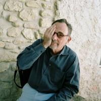 他是世界三大平面设计师之一想起桃,被全球模仿!