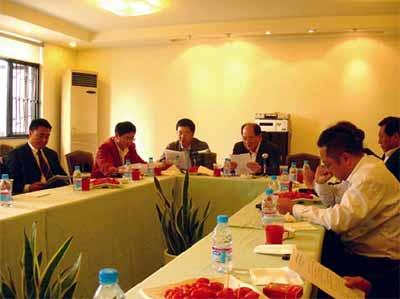 上海包协纸委会联合体会议日前召开